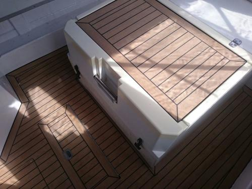 Composite decking on a motor boat