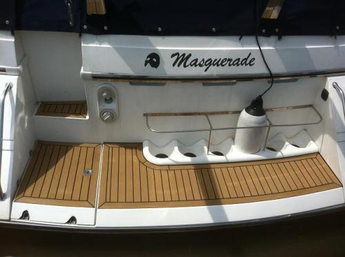Beautiful marine boat flooring fitted to a bathing platform of a motor boat