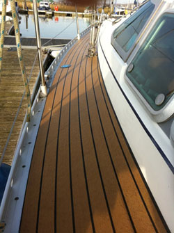 Side decks of a sailing boat with Permateek boat decking